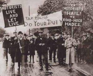 Protestors in Riverhead (1926)