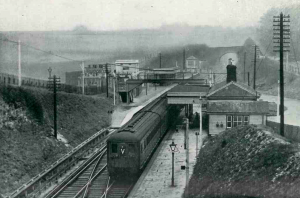 Southern Railway electric train stopping at Chelsfield from Sevenoaks