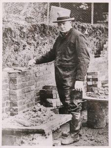 Churchill bricklaying at Chartwell
