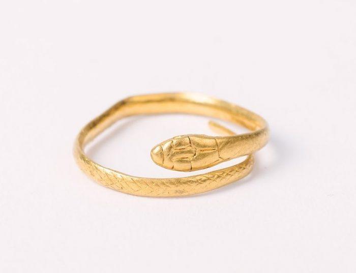 Roman gold serpent ring, © Kent County Council Sevenoaks Museum